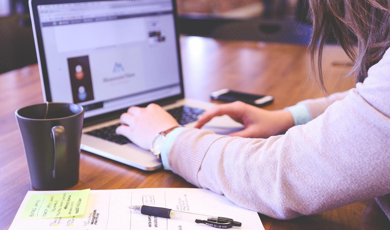 中堅・中小企業は自社の認知度を理解しweb情報を整理する