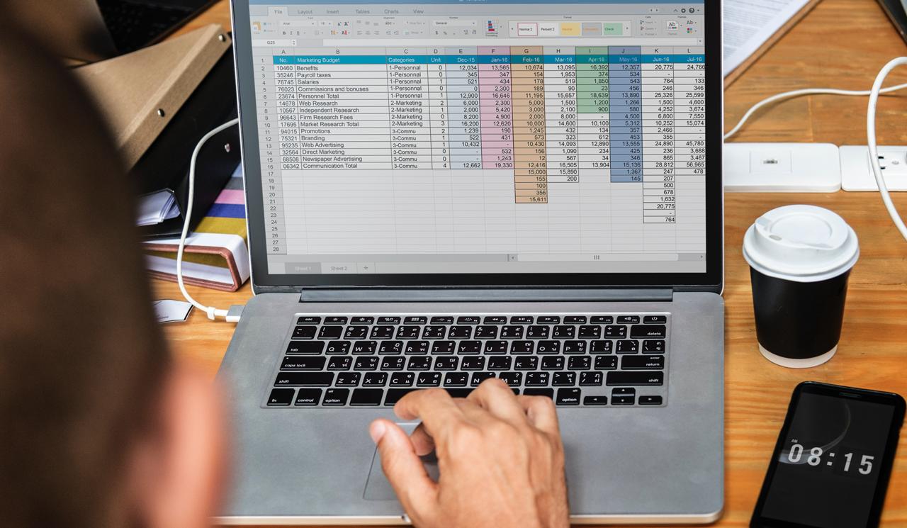 従業員名簿のデータベース化で管理工数を最小限に